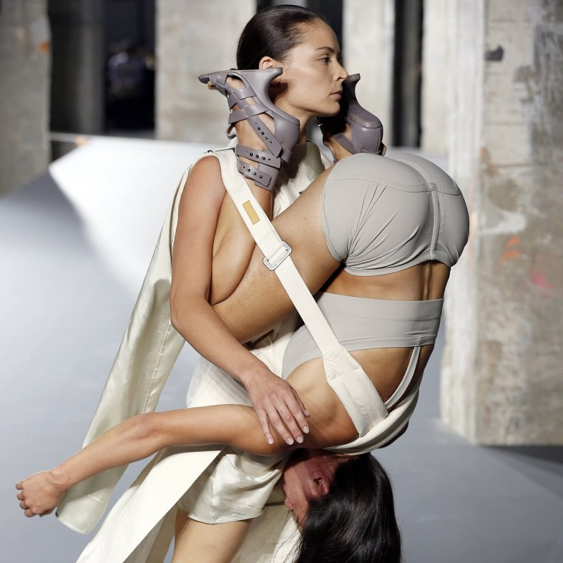 One look from Rick Owens' 2016 Fashion Show